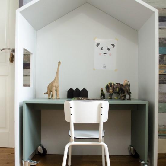 Bedhuisje - Voorbeeld van bedhuisje gebruikt als bureau