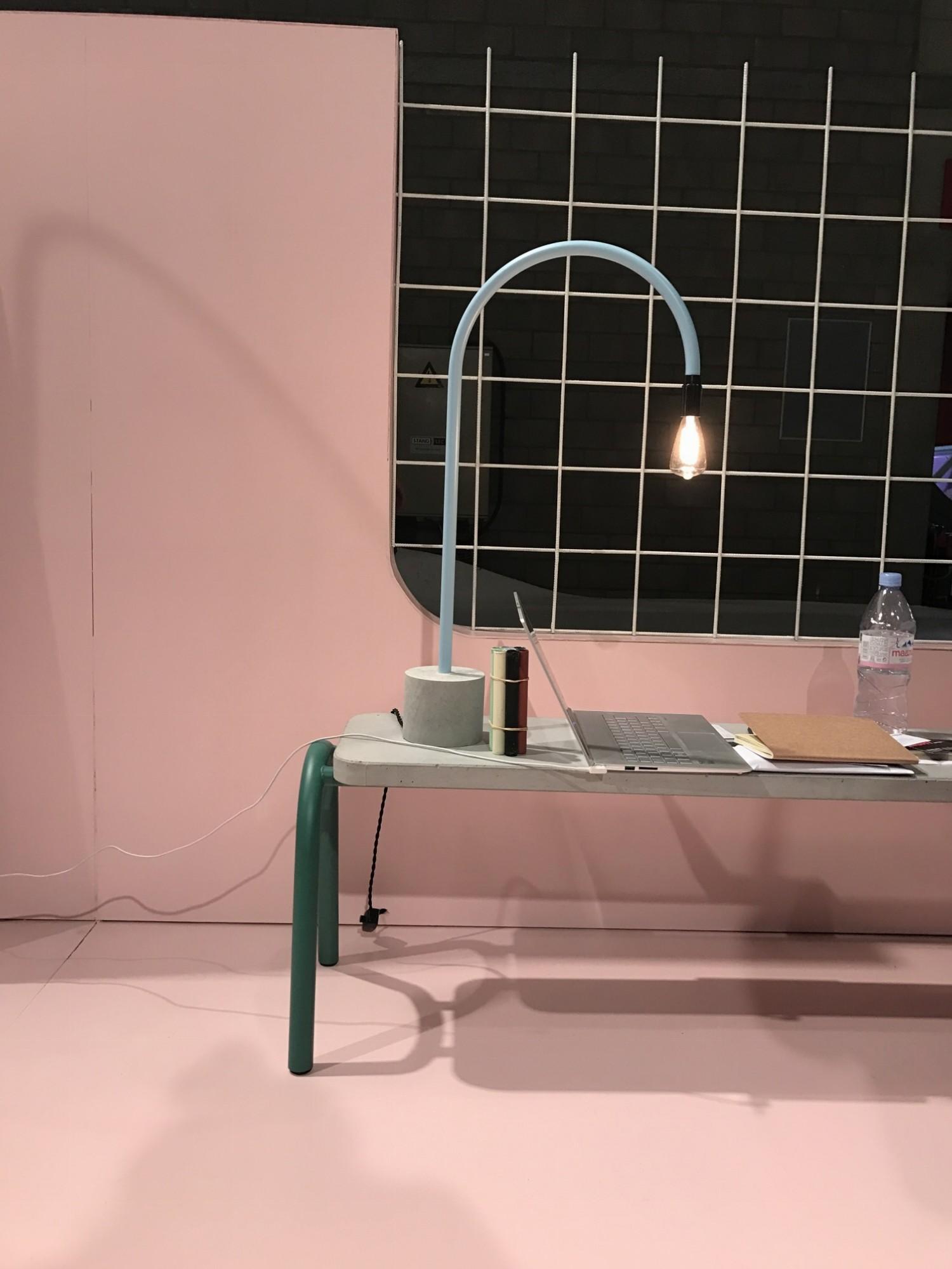 Designbeurs Biennale 2016 Kortijk - moderne tafellamp